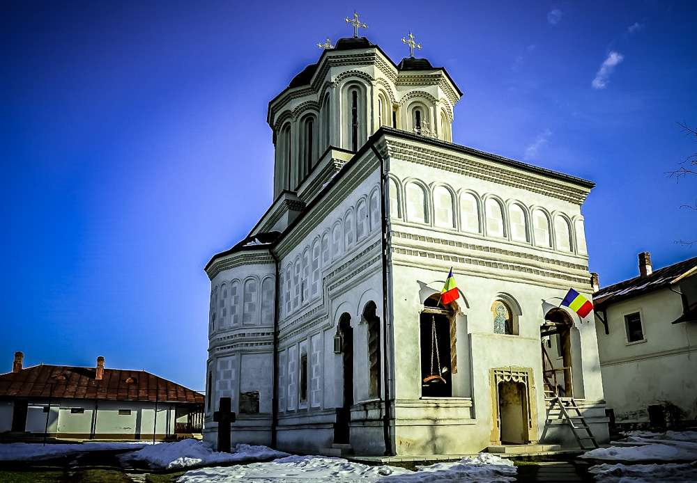 Manastir-Gura-Mortoluiy-Romania