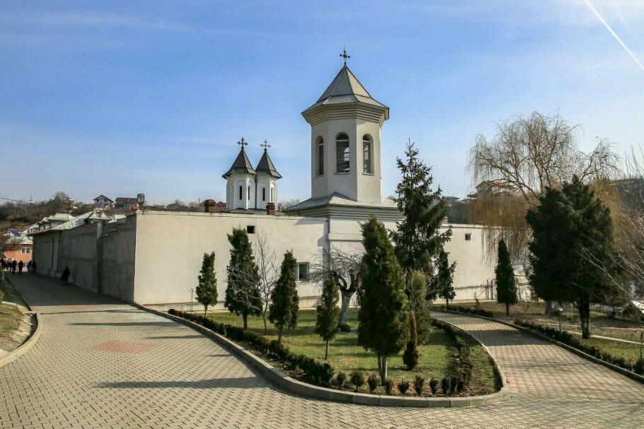 manastir-clocochilov-romania