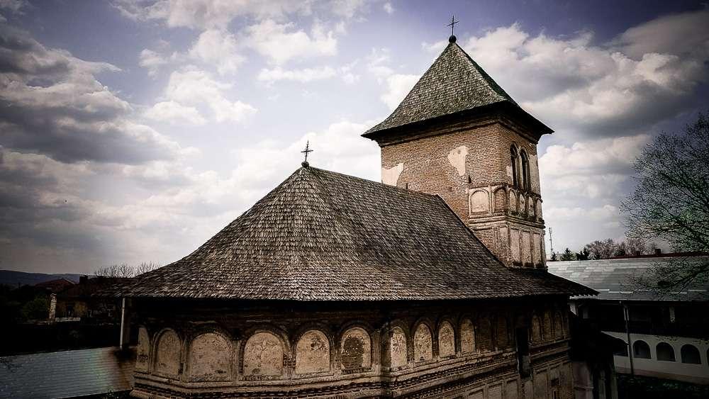 manastir-strehaia-romania2-new